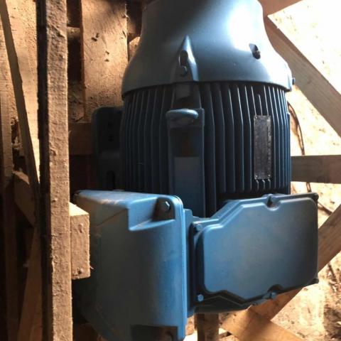 Motor Eléctrico 75hp Weg Alta Eficiencia 220/380